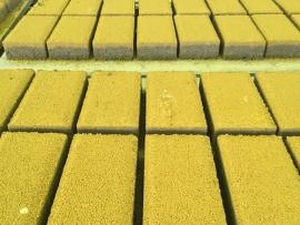 龙湖时代天街地面透水砖施工